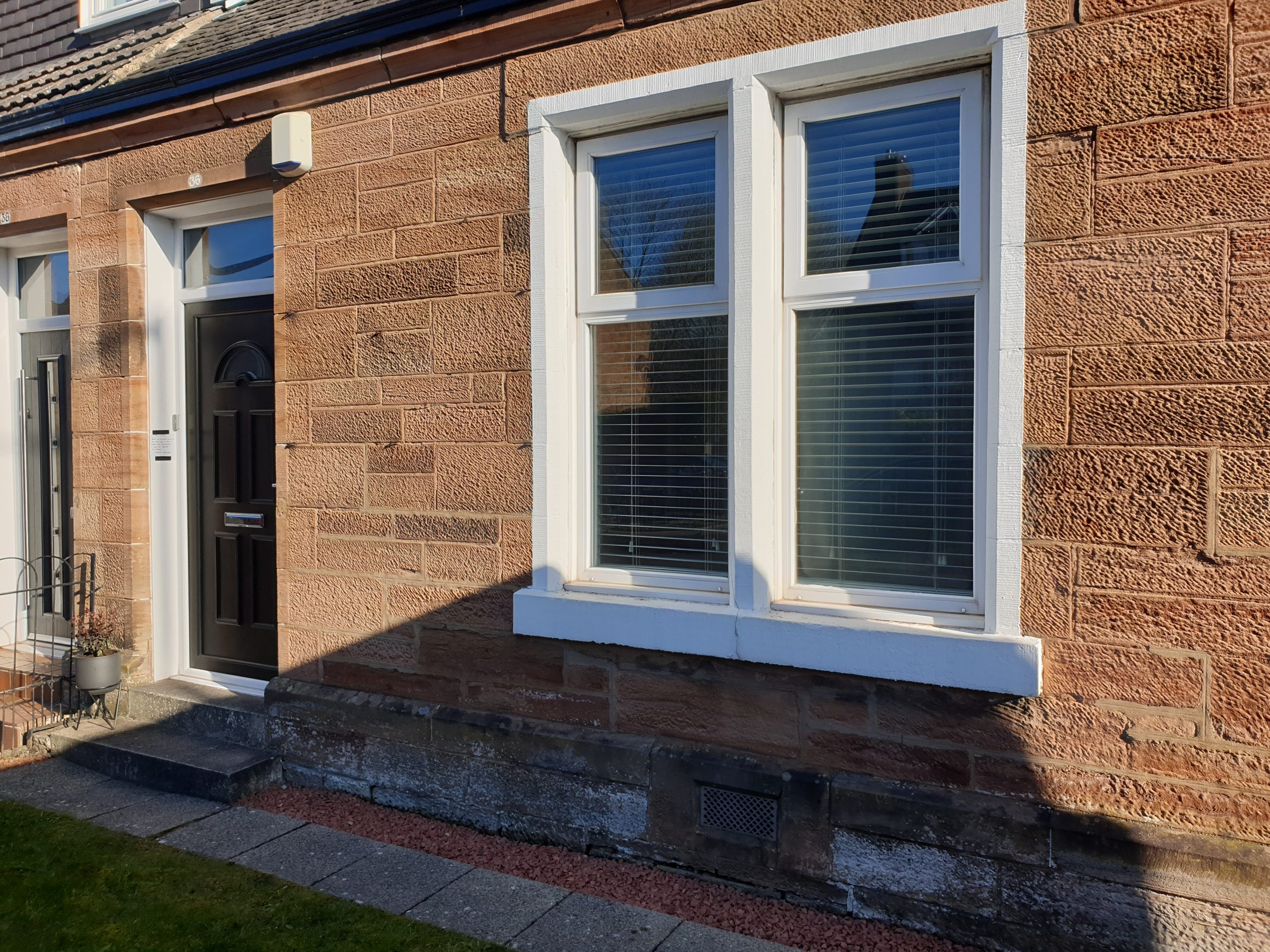 Remove paint from window stonework