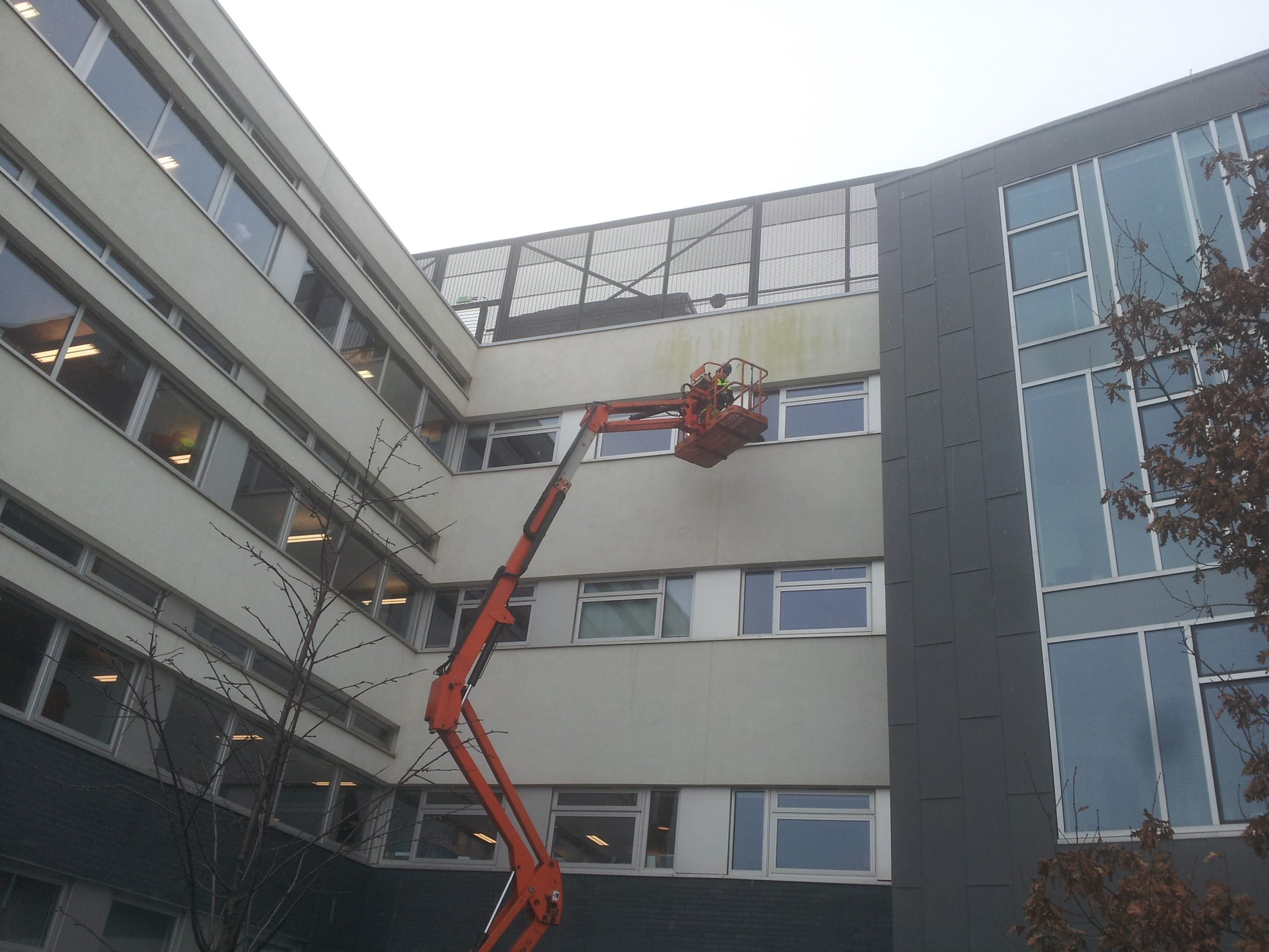 Render cleaning Glasgow cleaning render company red staining render