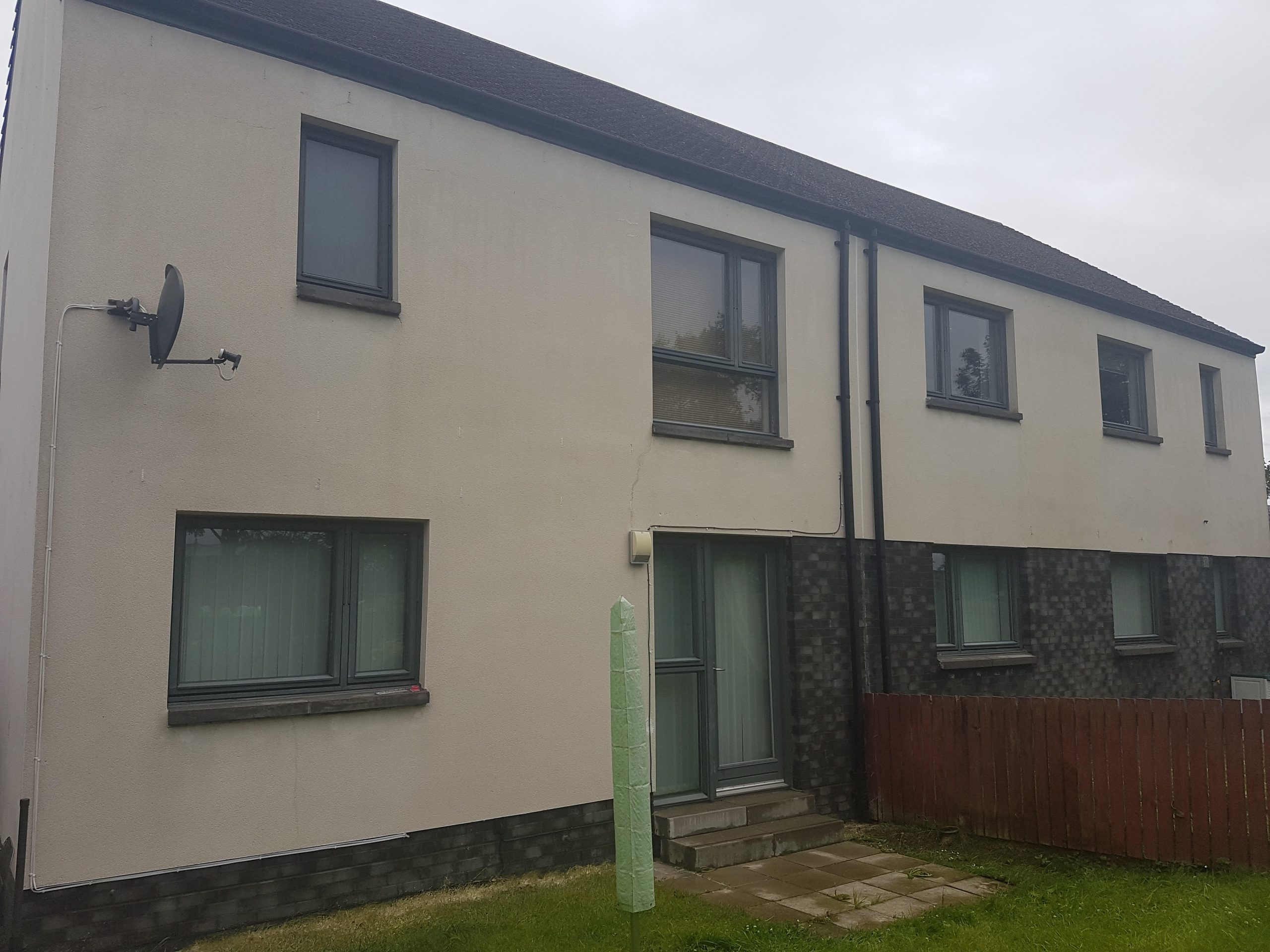 red stains on render cleaned Glasgow