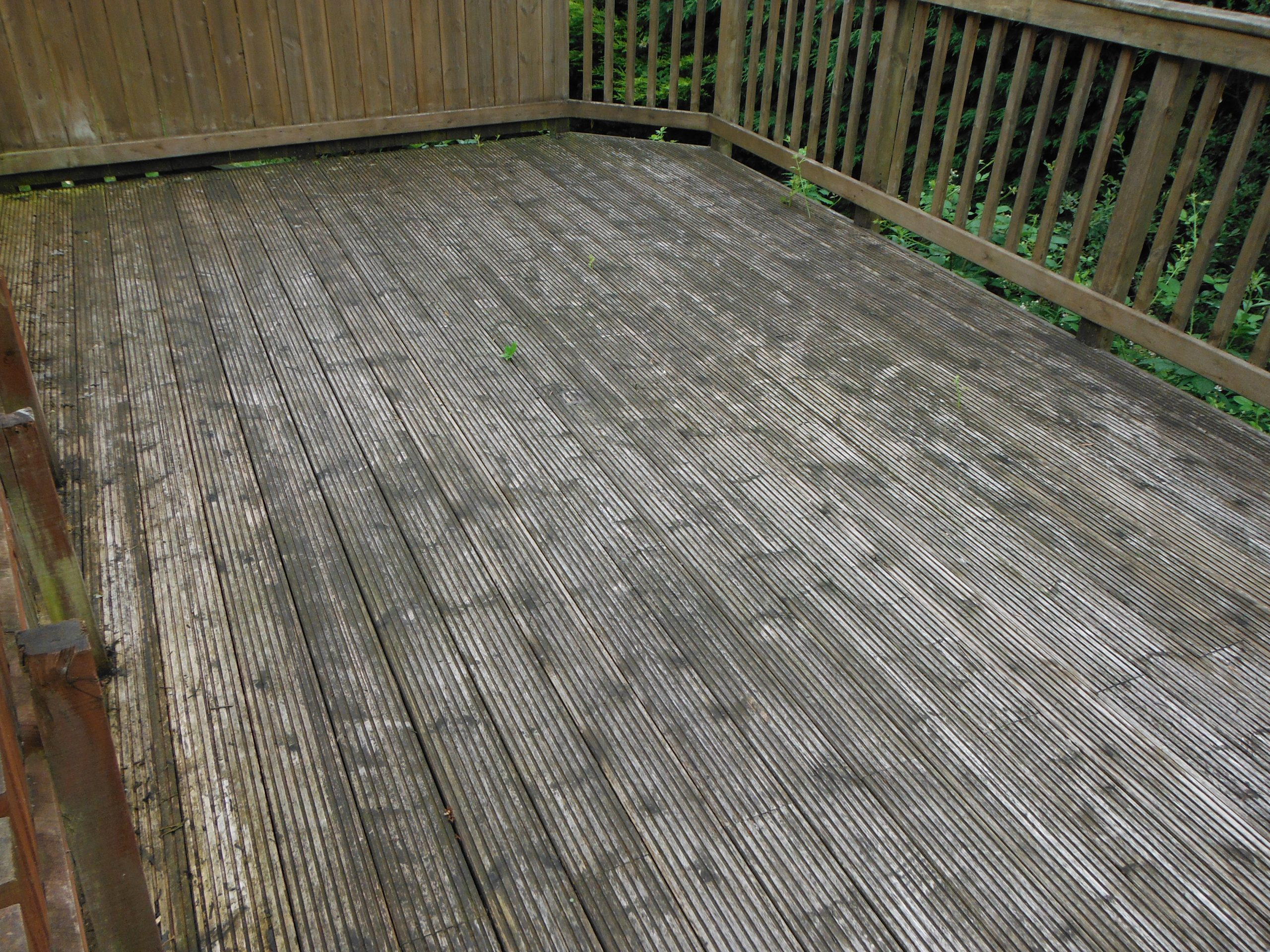 Cleaning decking deck cleaned Glasgow