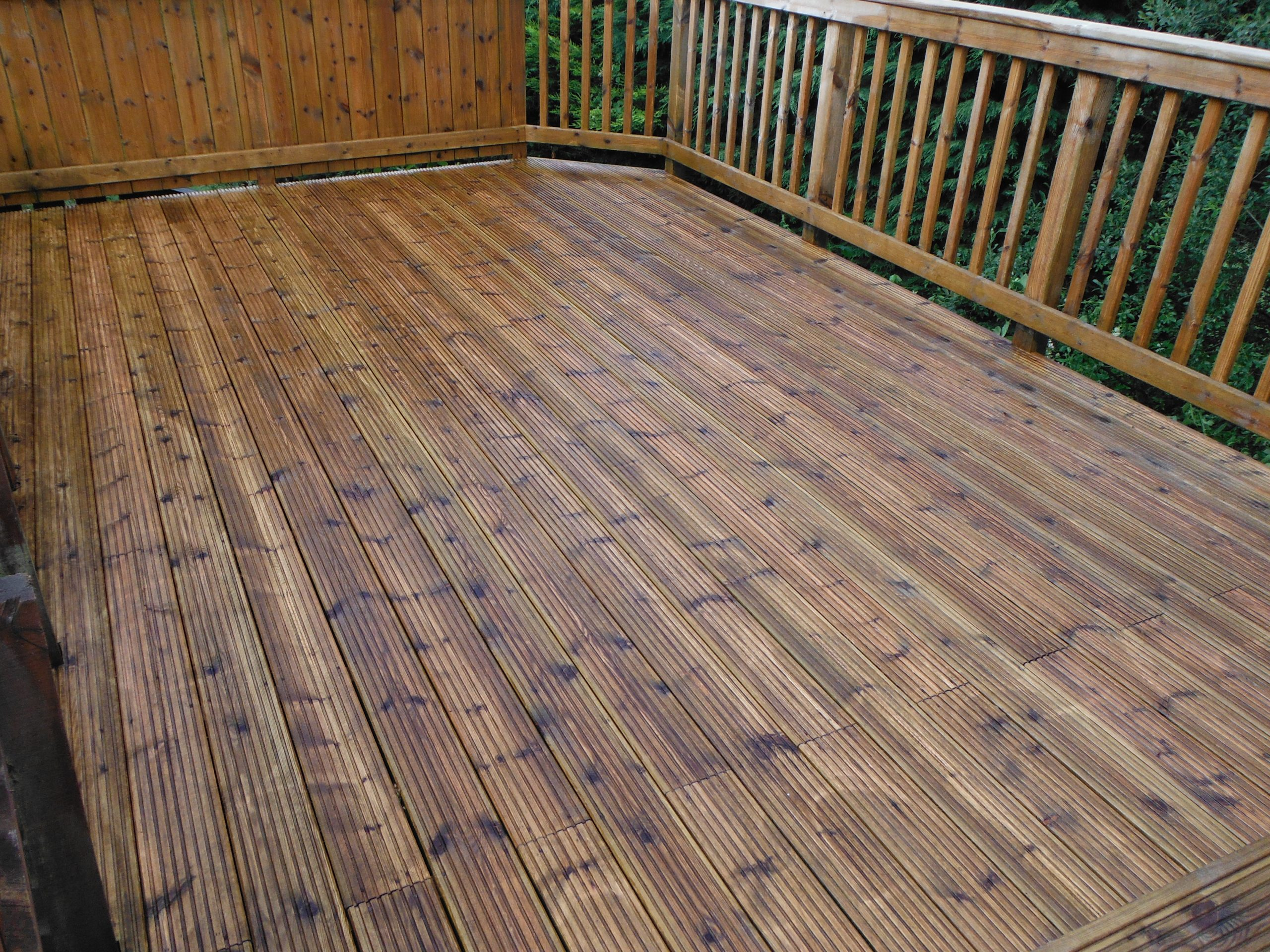 Clean my decking Glasgow decking cleaned glasgow