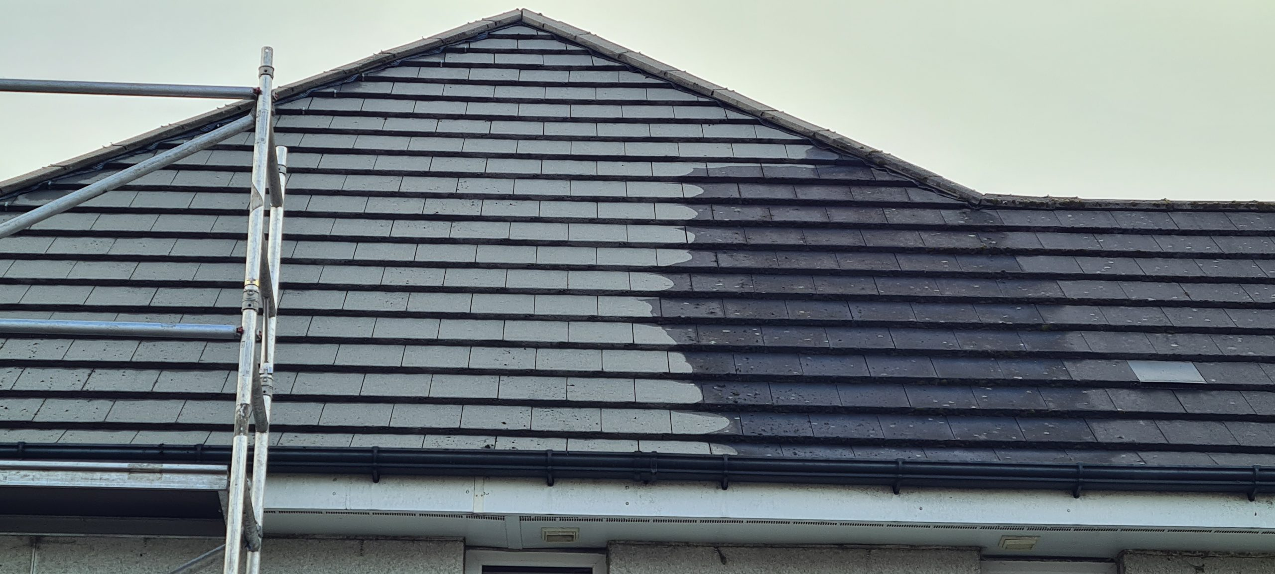 Have my Roof Cleaned Glasgow